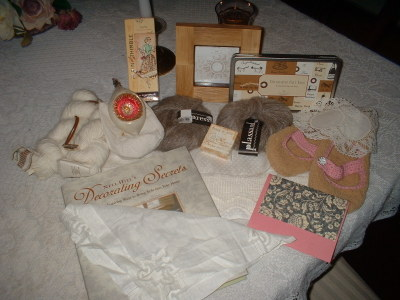 Packages_and_lace_004
